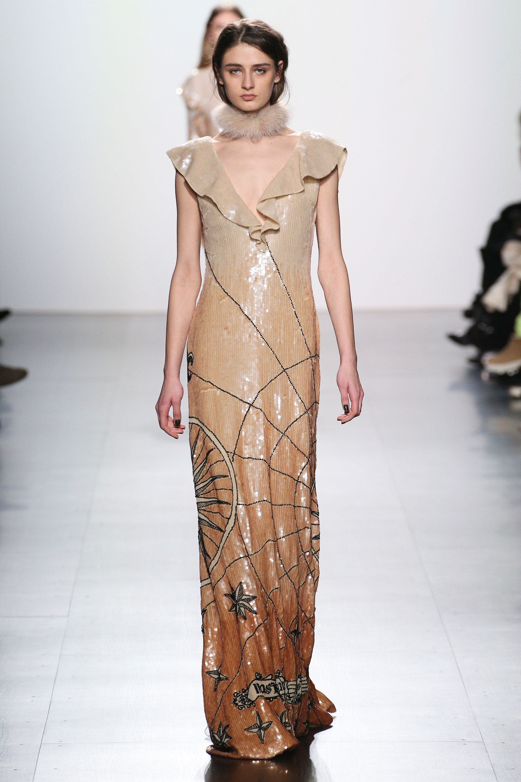 Luxury Rules the Runway at Dennis Basso\'s Fall 2017 NYFW Collection ...